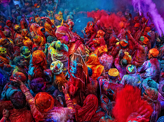 Get immersed in the colours of India