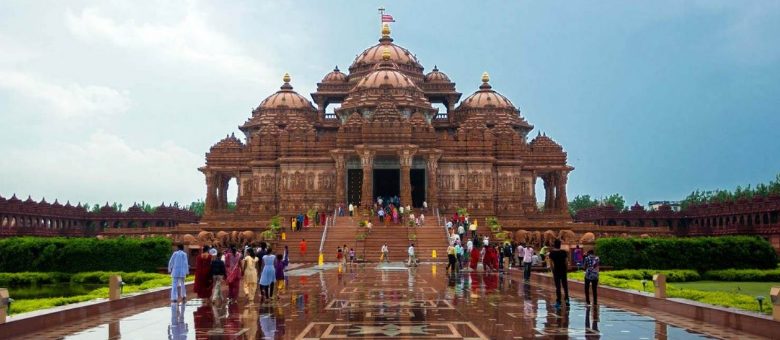 10 Most Famous Temples in Delhi
