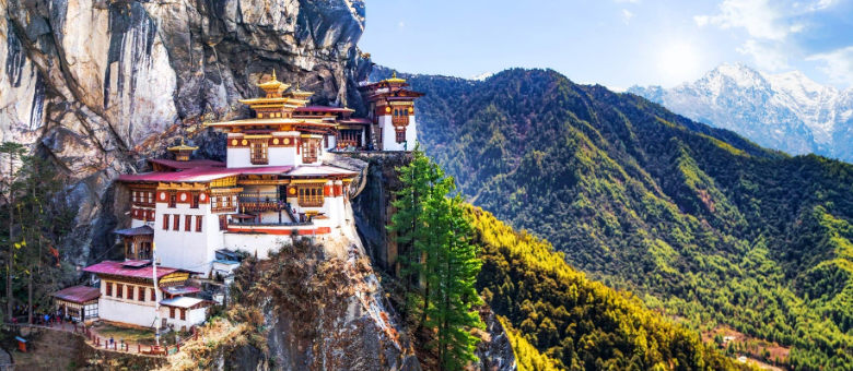 11 Top Places to Visit & Best Things to Do in Bhutan