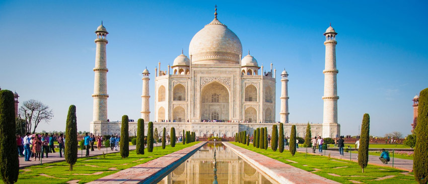 Tour to Taj Mahal